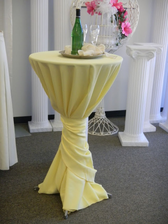 Tables Grand Rental Events - Cocktail table linens