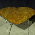 Heart-Shaped-Table